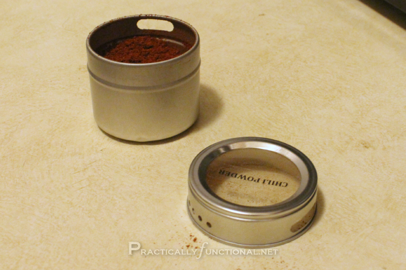 DIY magnetic spice rack: Spice tins
