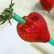 How to hull strawberries quickly and easily