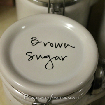 Kitchen Organizing: Labels On Jars