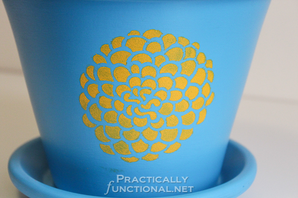 How To Seal Painted Flower Pots - Spongy stenciled look