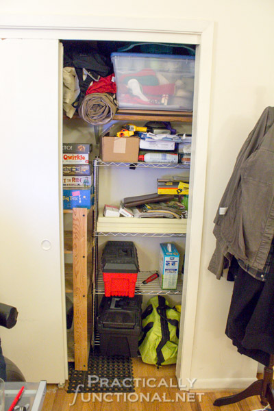 Apartment Organization small apartment solutions: closet organization!