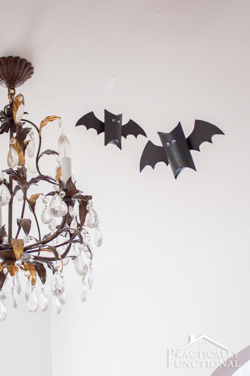 Make these cute bats out of empty cardboard tubes!
