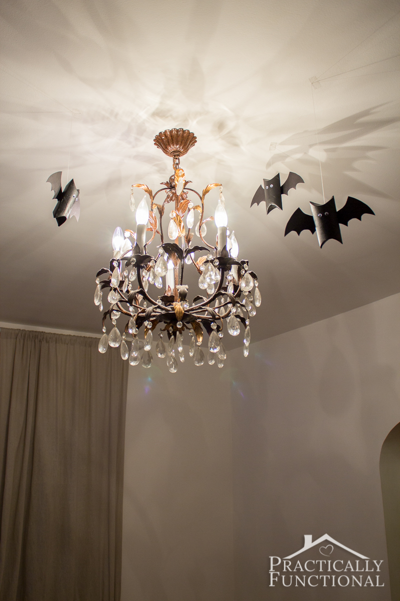 Recycle an old cardboard tube into super cute decorations for Halloween!