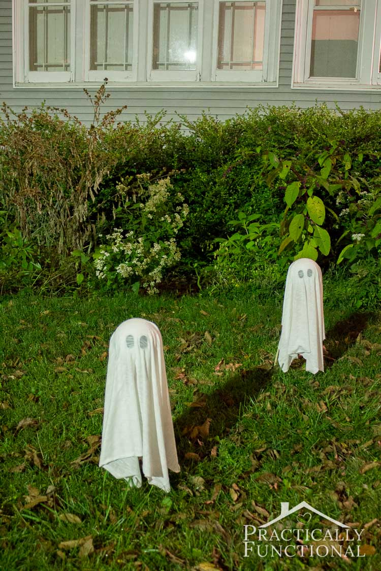 These diy floating halloween ghosts take less than ten minutes to make