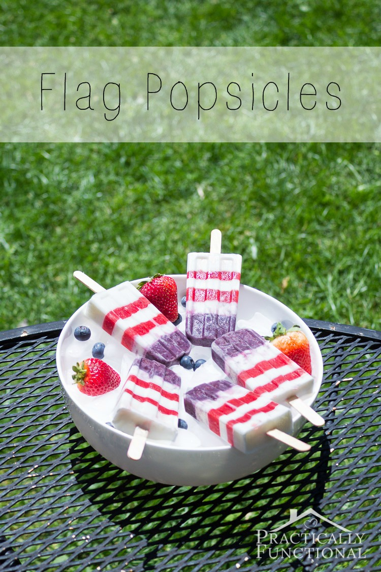 These cute American flag popsicles are so easy to make, and they're perfect for the 4th of July!