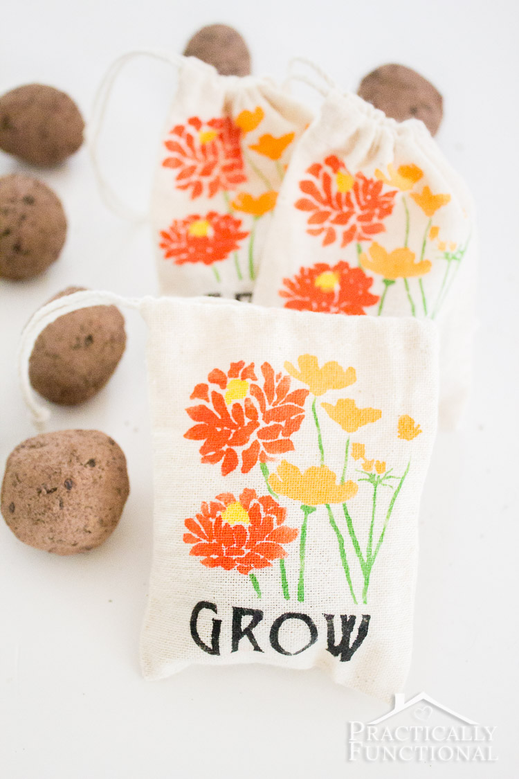 Make your own custom party favor bags by stenciling little fabric bags ...