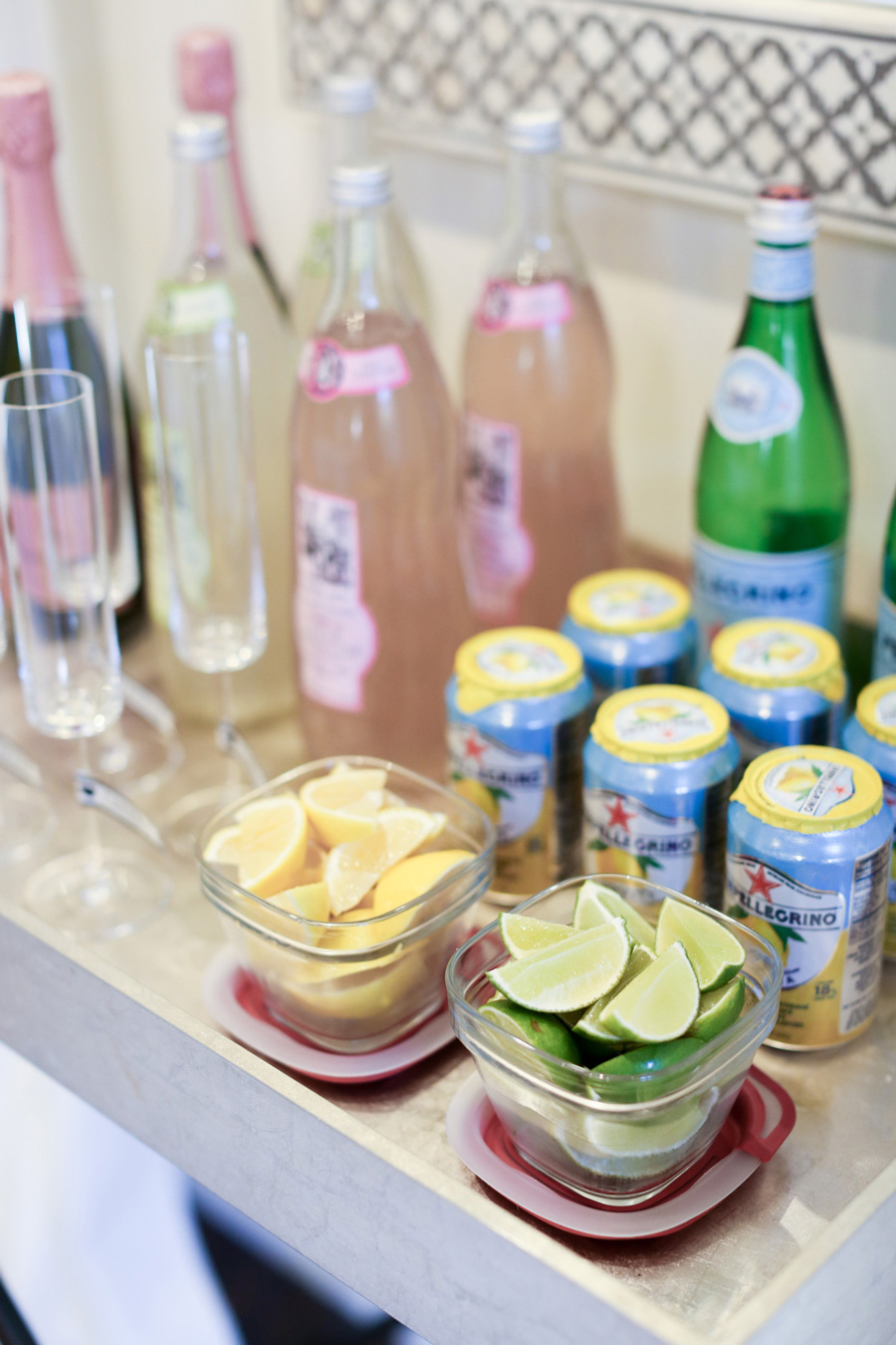 7 Top Tips For Throwing A Grand Party In A Small Home: How To Throw A Great Housewarming Party