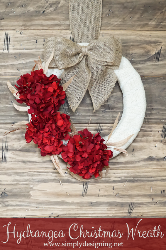 DIY Hydrangea Christmas Wreath - and 10 other gorgeous DIY holiday wreaths!