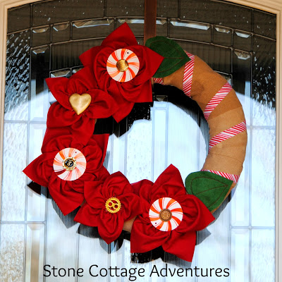 DIY Poinsettia Wreath - and 10 other gorgeous DIY holiday wreaths!
