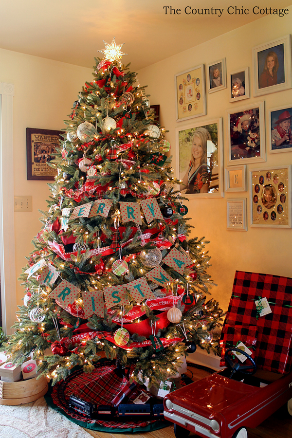 Rustic Farmhouse Christmas Tree - and 13 other great Christmas projects!