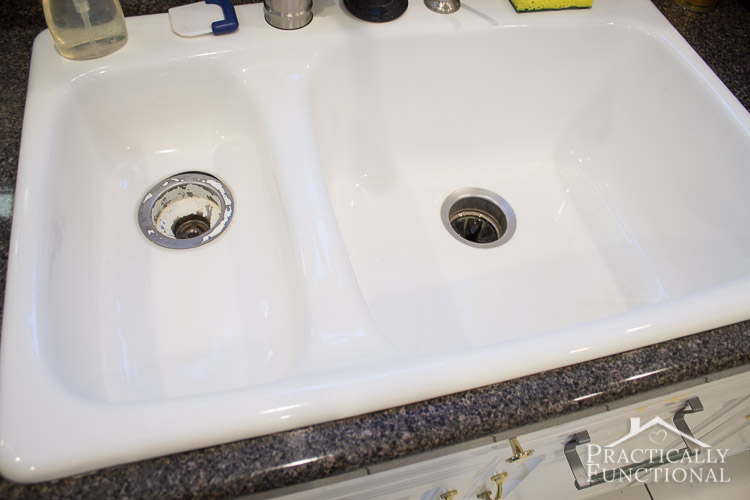 How To Clean A Porcelain Sink   Get Rid Of Stains And Scuff Marks In Just