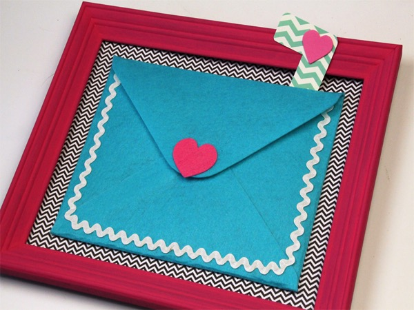 Valentines Letter Holder - and 18 other fun Valentine's Day crafts!