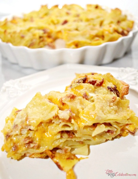 Bacon Cheddar & Noodle Casserole - and 26 other delicious comfort food recipes!