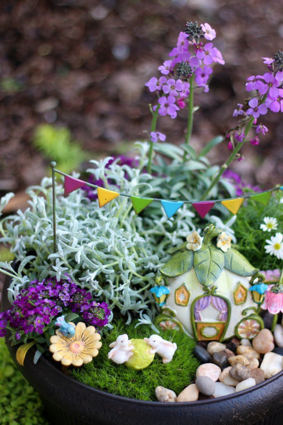 Fairytale fairy garden - and 13 other simple DIY outdoor weekend projects!