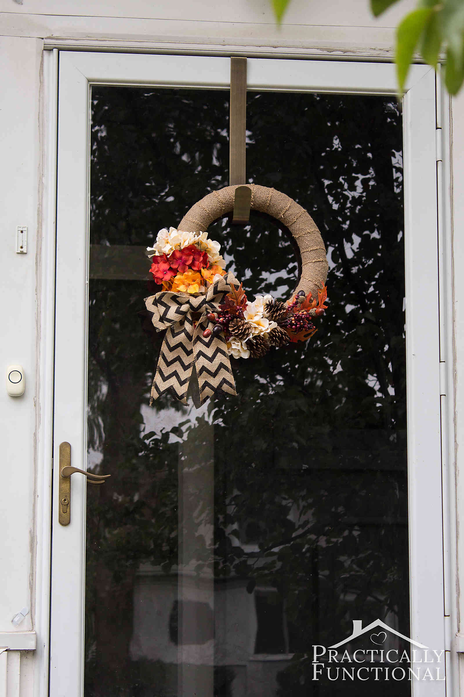Simple DIY burlap and flowers wreath for fall