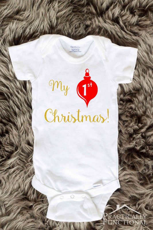 This My 1st Christmas onesie is such a great idea for a handmade gift for a baby shower or Christmas!