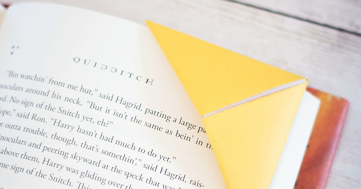 how to make corner bookmarks  two ways