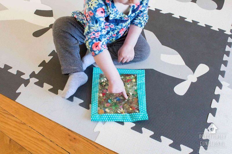 How to make sensory bags for babies and toddlers