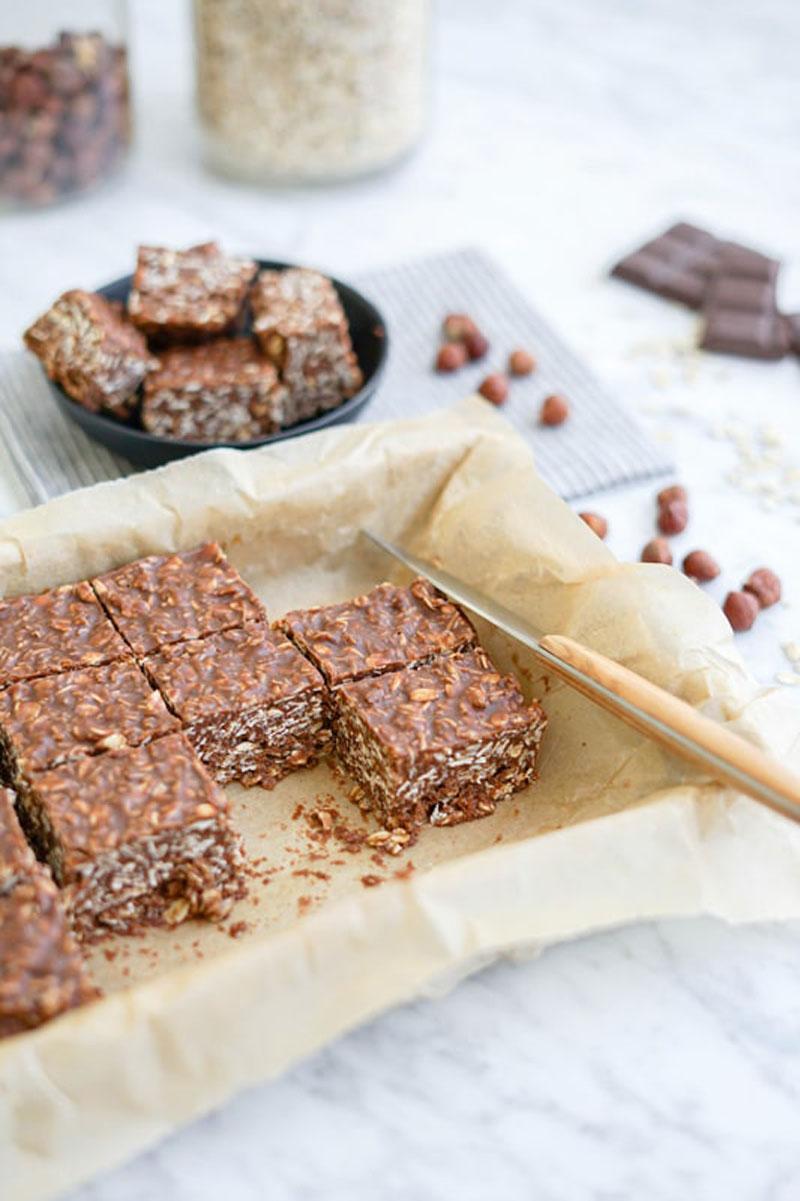 No bake chocolate hazelnut fudge oatmeal bars