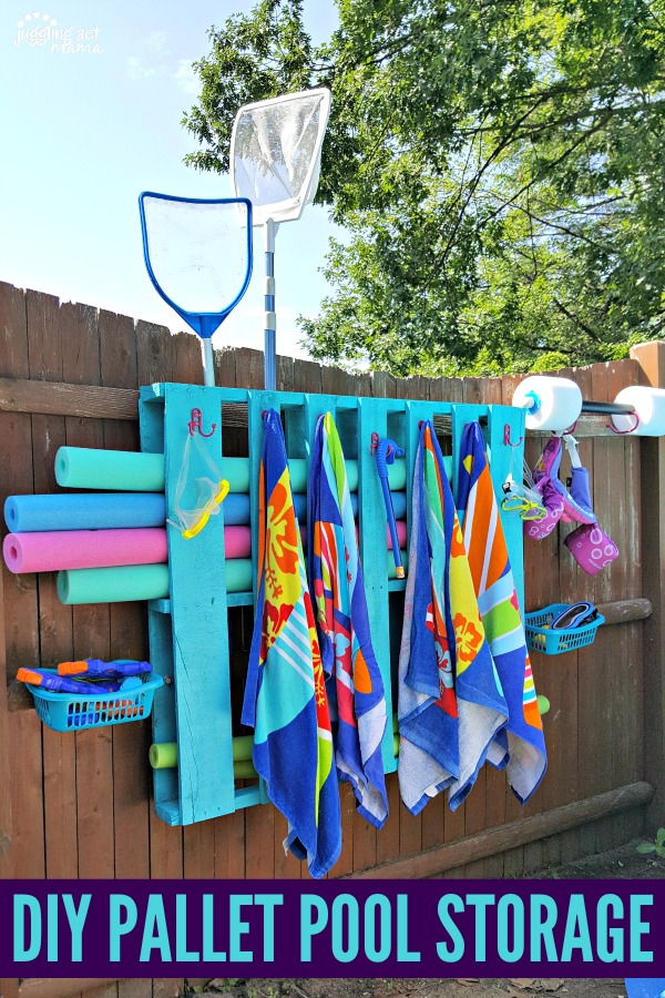 DIY pallet pool storage for towels and pool toys!