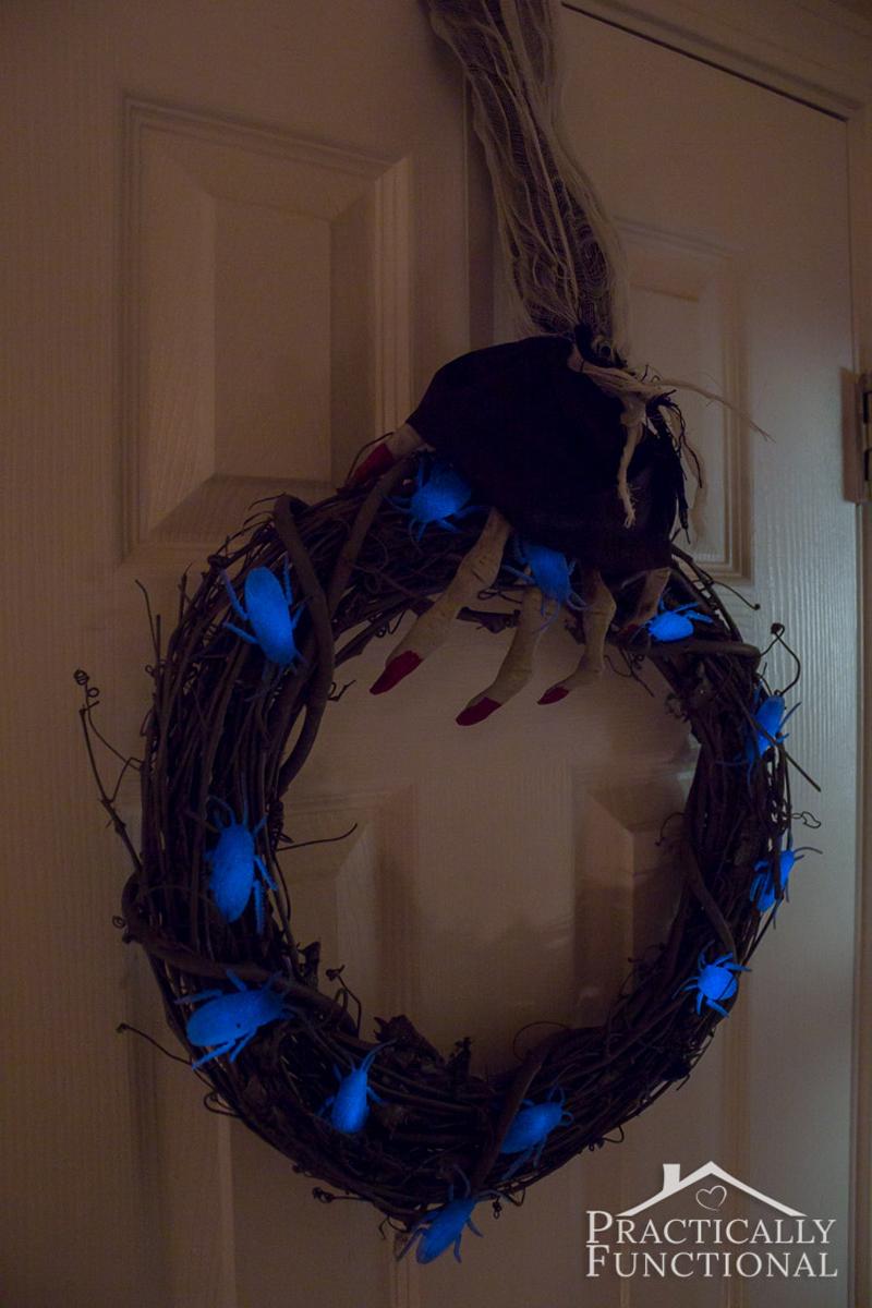 creepy skeleton hand wreath