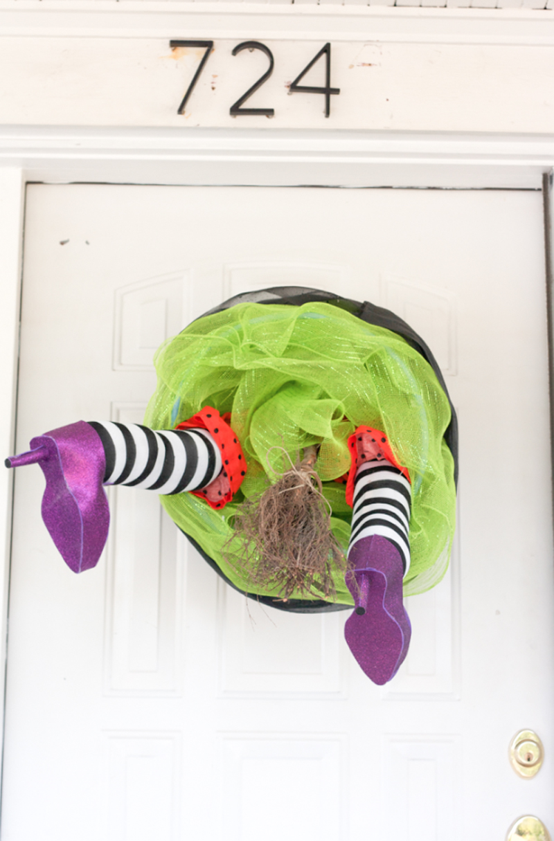 witch crashing front door decoration