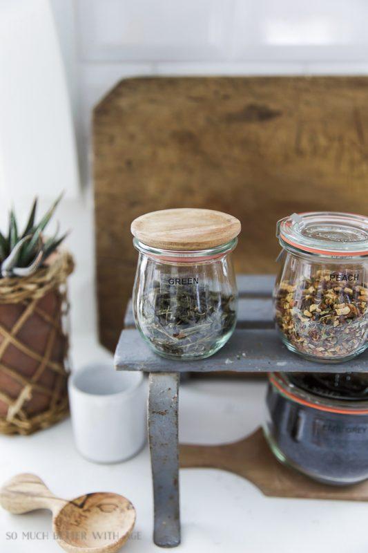 Organizing loose tea in weck canning jars