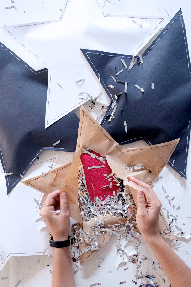 star gift wrap idea
