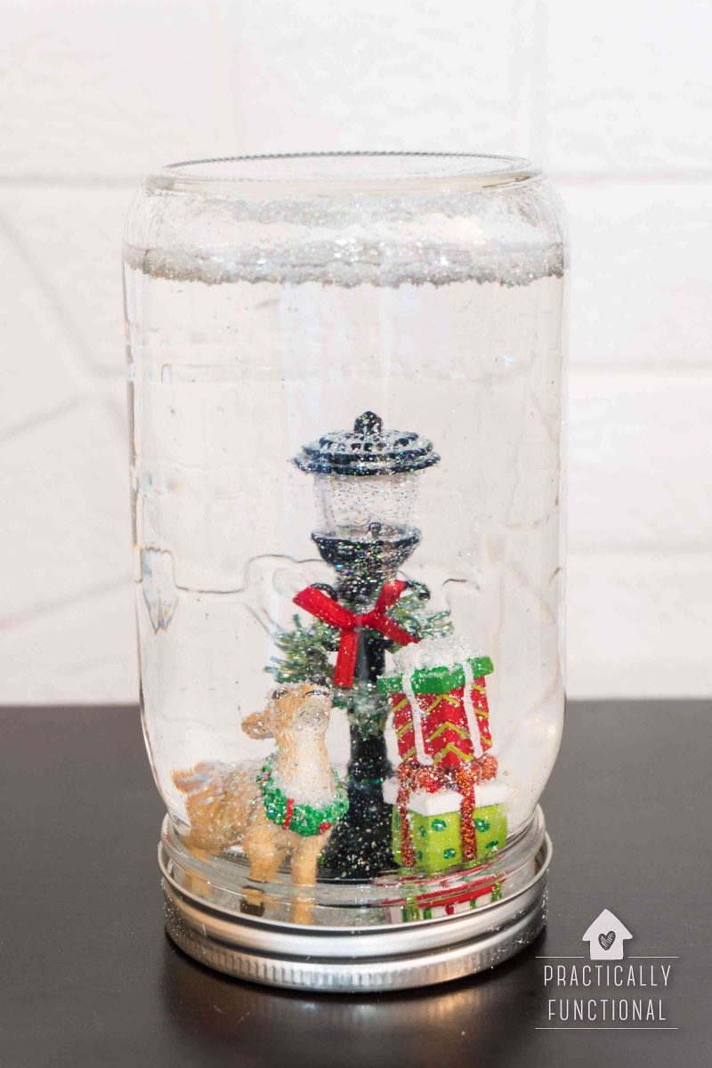 How to make a Christmas snow globe