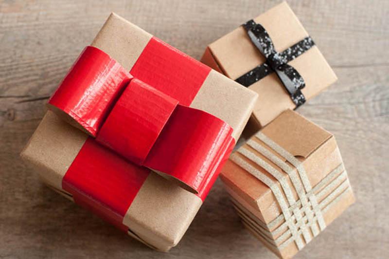 glitter and ribon gift wrap idea