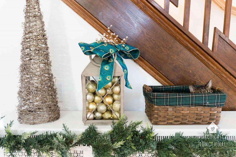 DIY Christmas lantern decoration