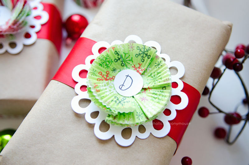 cupcake liner and card stock gift wrapping idea