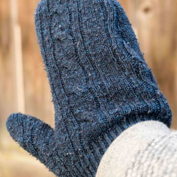 The Easiest Way To Make Sweater Mittens!