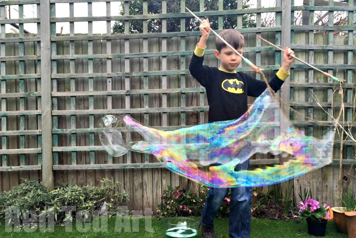 Easy homemade bubble solution and 23 other fun summer activities for toddlers