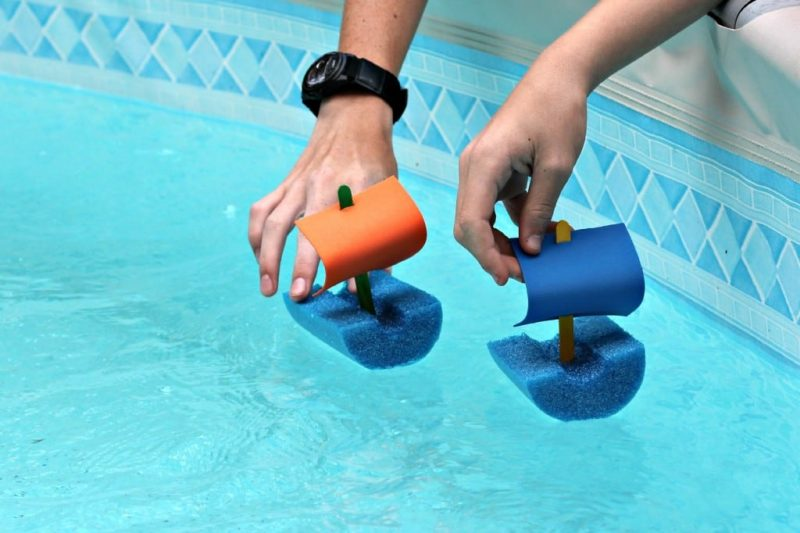 Pool noodle boat races and 23 other fun summer activities for toddlers