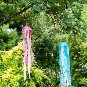 Make a simple diy jellyfish windsock in 15 minutes or less