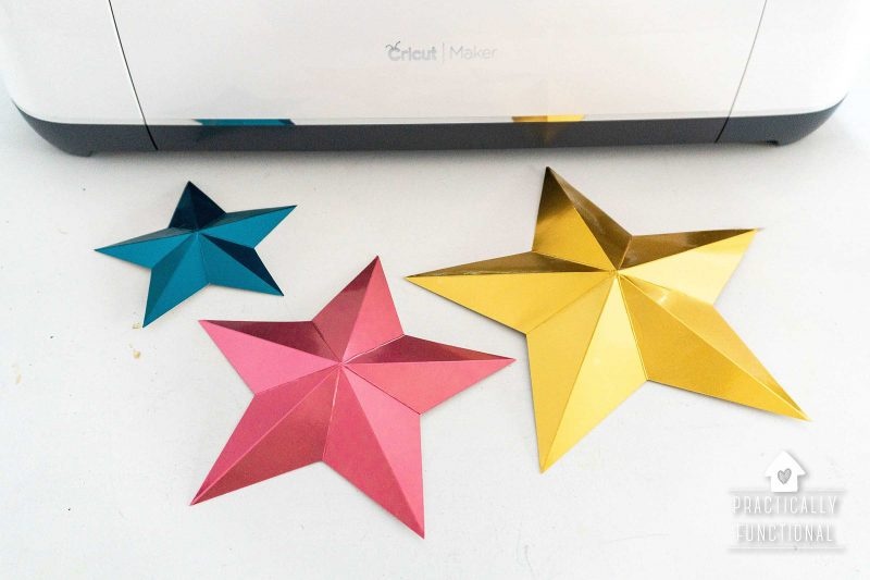 3d paper stars made with cricut maker and cricut scoring wheel