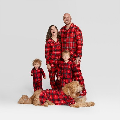 Holiday red plaid notch collar family pajamas and 19 other matching family Christmas pajamas that are warm, comfy, and totally budget-friendly!