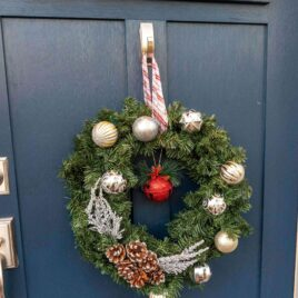 Homemade light up christmas wreath using only dollar store items