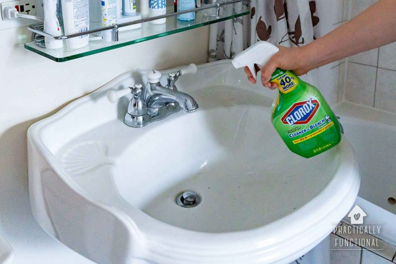 Best cleaning tips for cleaning bathroom surfaces