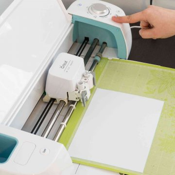 Which cricut cutting machine is best for beginners