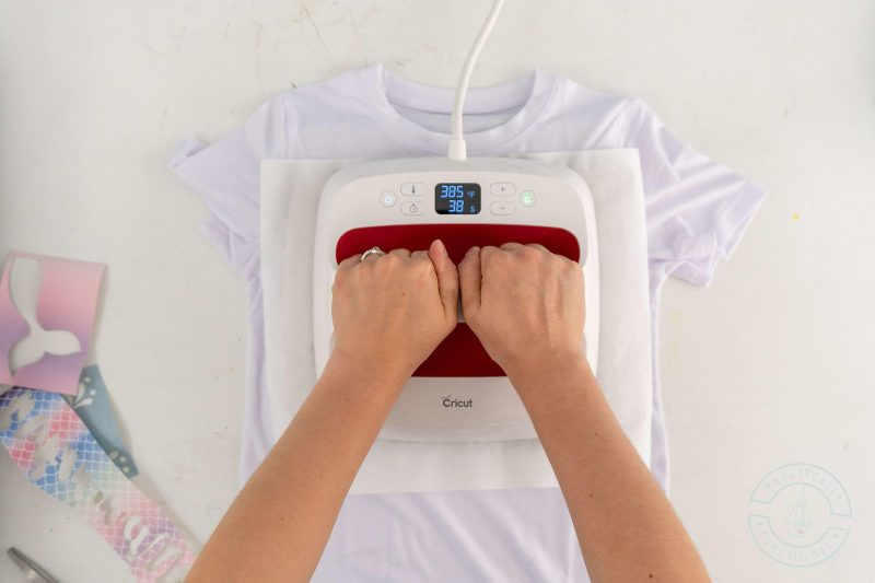 How to press infusible ink transfer sheets onto a t shirt using an easypress