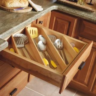 Diagonal kitcher drawer organizer
